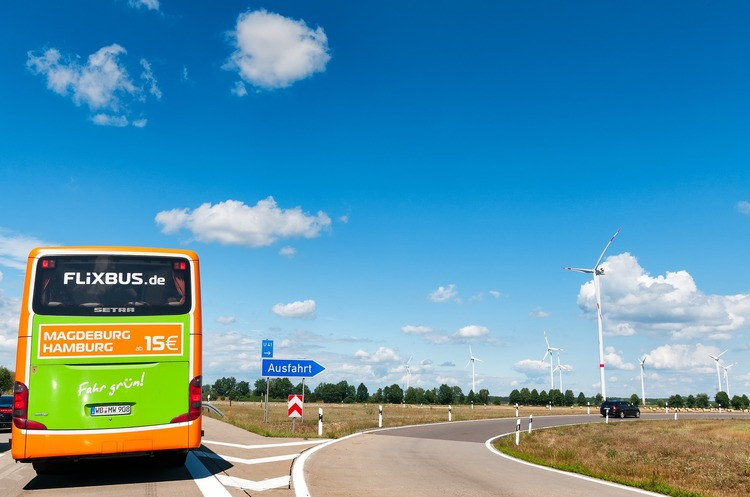 Німецька FlixBus запустила автобусні рейси з Польщі та Чехії в Україну за 5 євро