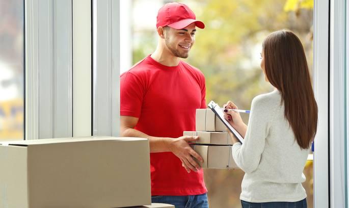 Влада планує значно знизити ліміт безмитового отримання іноземних товарів поштою