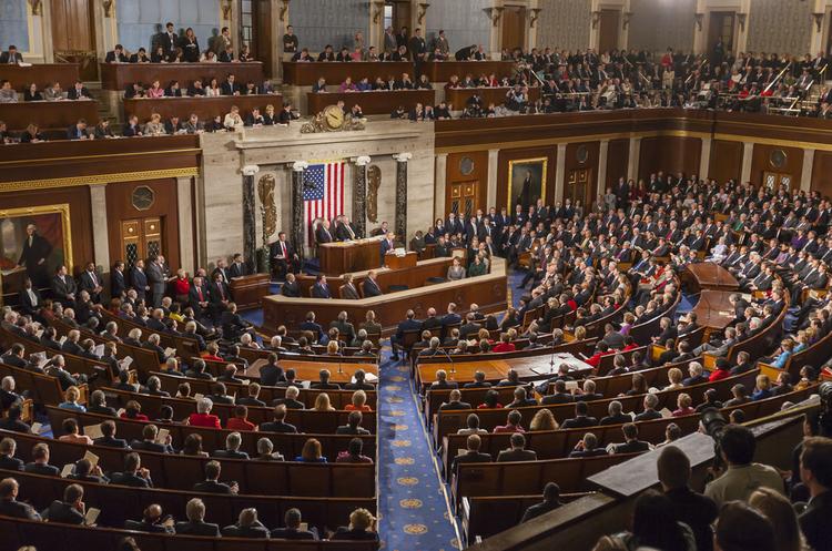 Конгрес США затвердив законопроект про антиросійські санкції, який відбирає у Трампа владу послабити їх