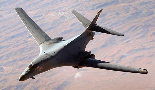 Два надзвукових бомбардувальника США пролетіли на Корейським півостровом