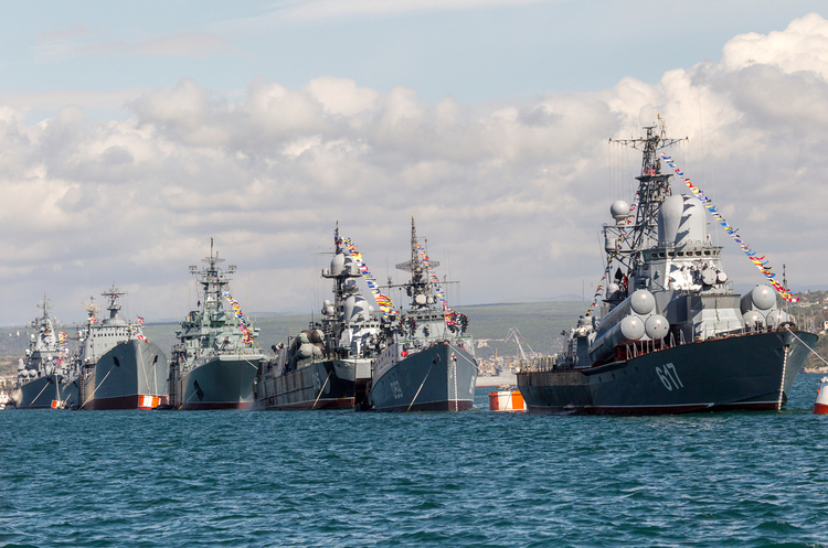 Як і навіщо РФ перетворює Крим з туристичної Мекки на військову базу