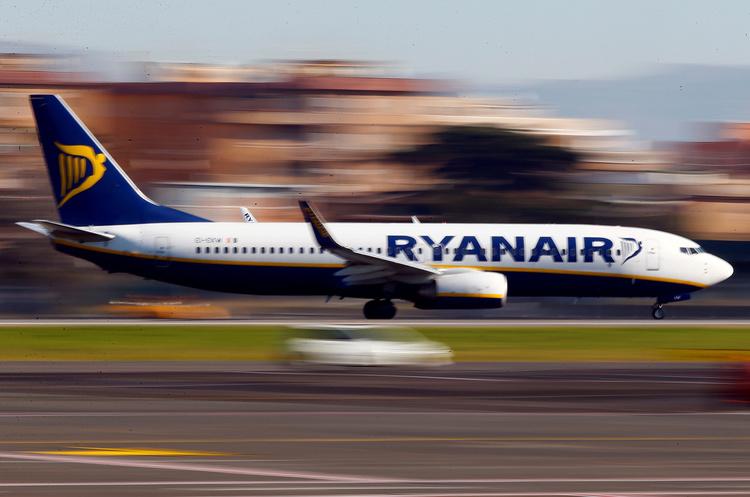 Гройсман: Ryanair літатиме з Борисполя або Жулян півроку, доки будуватимуть Гостомель