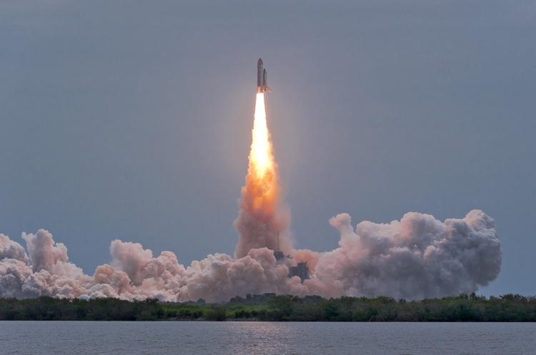 «Пороблено»: запуск японської ракети 4 рази переносили, а потім, пролетівши всього 66 секунд, вона впала в море (ВІДЕО)