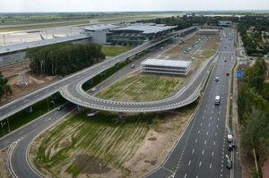 Багаторівневий довгобуд: хто добудує паркінг у Борисполі