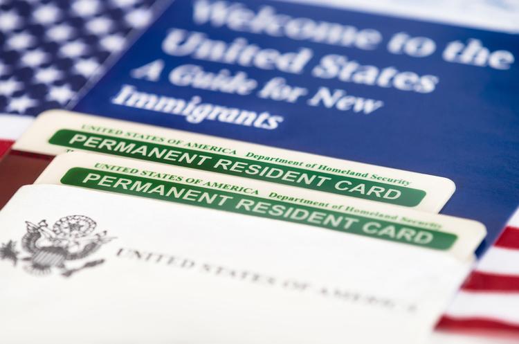 Трамп має намір скасувати лотерею із видачі Green Card