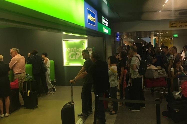 В аеропортах Європи довжелезні черги через нові вимоги паспорт-контролю