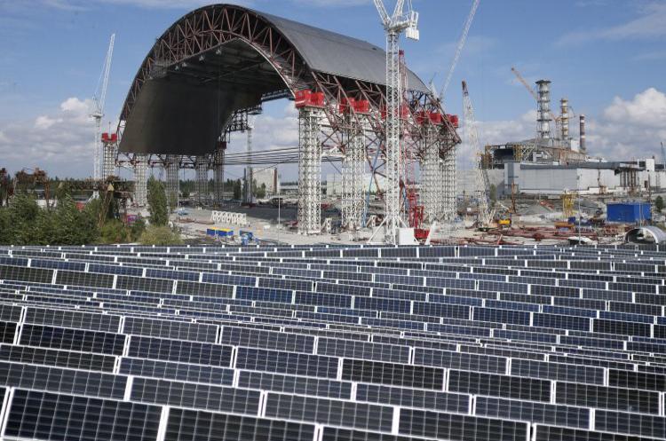 Франція допоможе Україні в будівництві сонячних електростанцій у Чорнобильській зоні