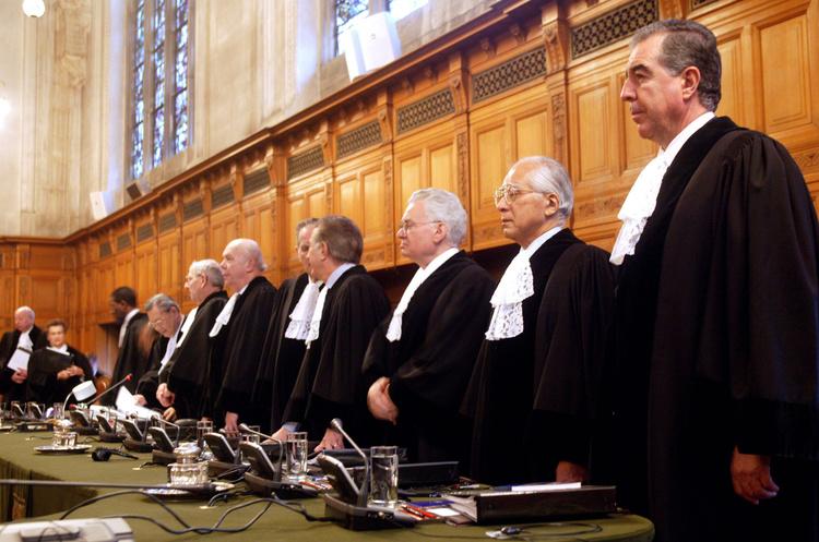 """Суд у Гаазі розглядає позов """"Нафтогазу"""" проти Росії через захоплення Кримських активів"""