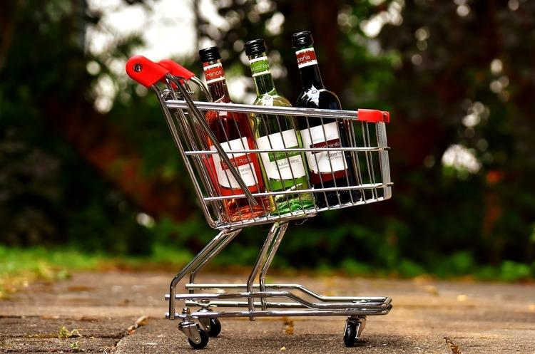 Уряд ухвалив підвищення мінімальних цін на алкоголь