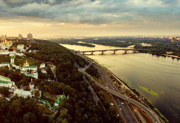 Набережне шосе у Києві ремонтуватиме турецька компанія за 125 млн грн