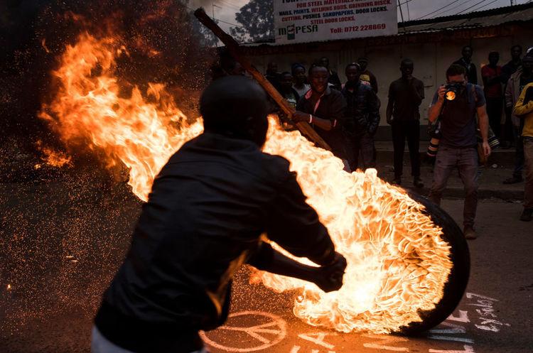 У Кенії після виборів президента масові протести, поліція застрелила трьох людей
