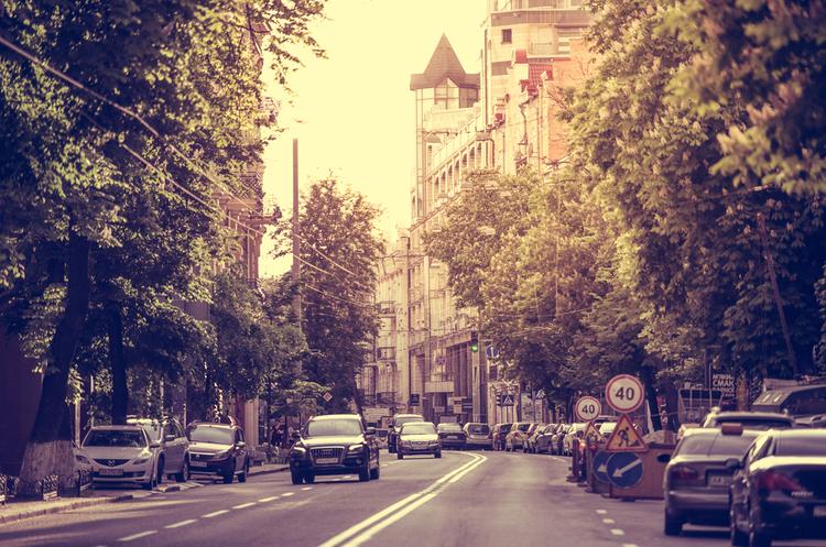 У Києві впровадять безкоштовне паркування у вихідні дні