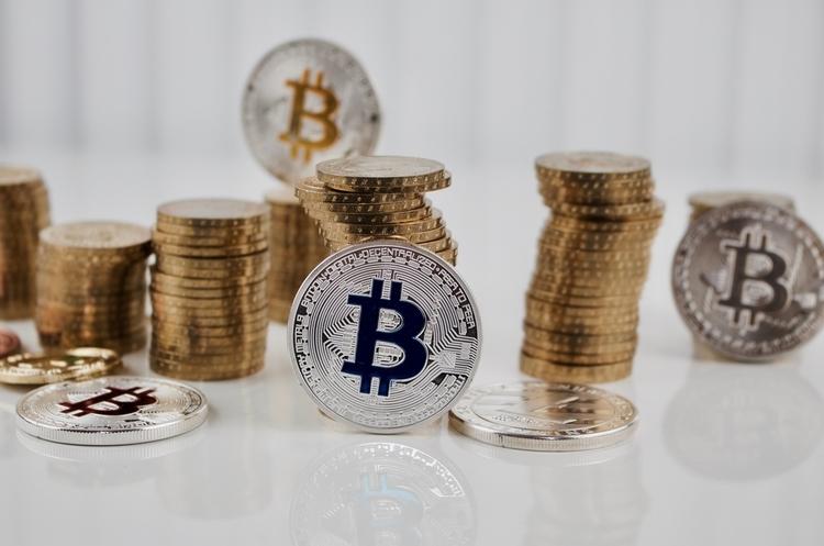 Огляд криптовалют: ціна продовжила активне зростання разом з підвищенням обсягів