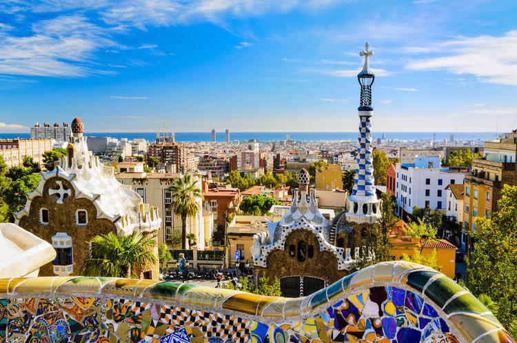Мінуси туризму: у Барселоні місцеві жителі закидають приїжджих яйцями