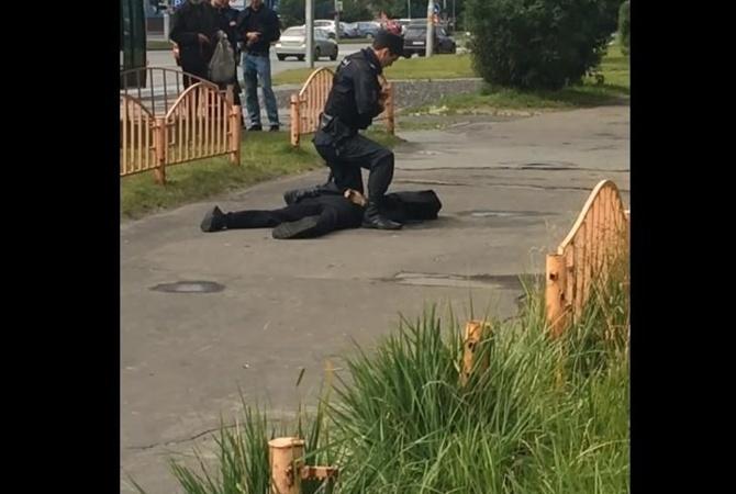 Російська поліція встановила особу чоловіка, який поранив ножем 7 перехожих
