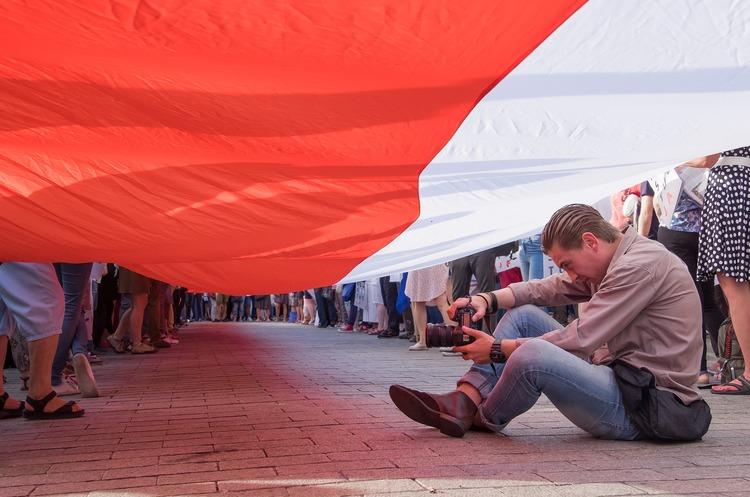 Barclays: українські мігранти сприяють зростанню економіки Польщі