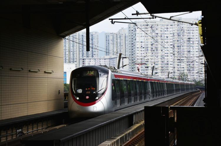 Восени у Китаї запустять потяги зі швидкістю 350 км/год