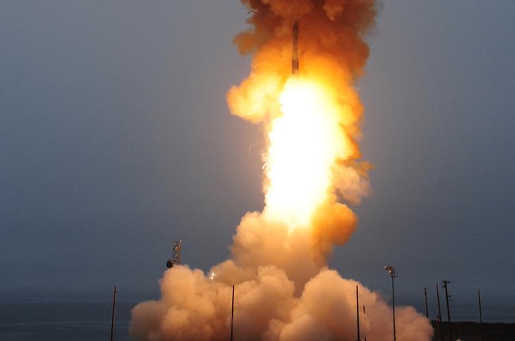 Boeing та Northrop Grumman працюватимуть над створенням нової міжконтинентальної ракетної системи для США