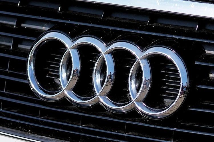 Автомобілі Audi з наступного року матимуть «сонячний дах»