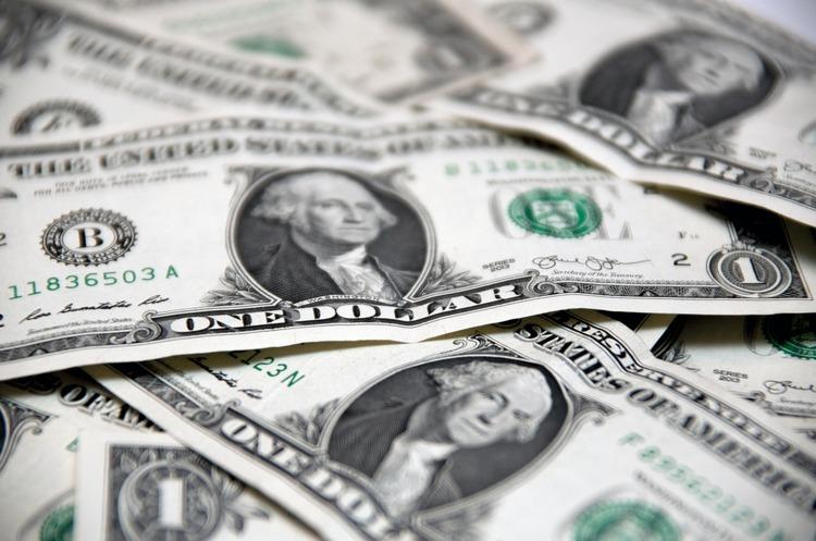 НБУ зняв обмеження на видачу іноземної валюти з банківських рахунків