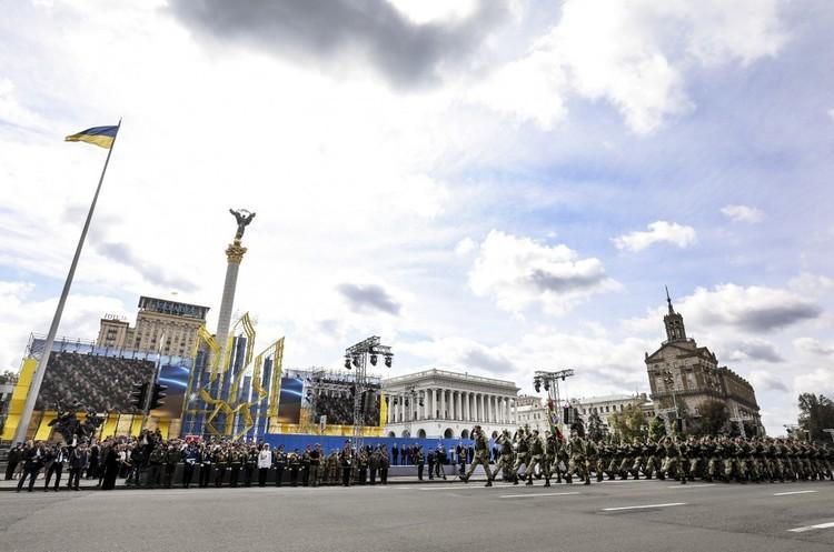 У Києві проходить військовий парад (ТРАНСЛЯЦІЯ)