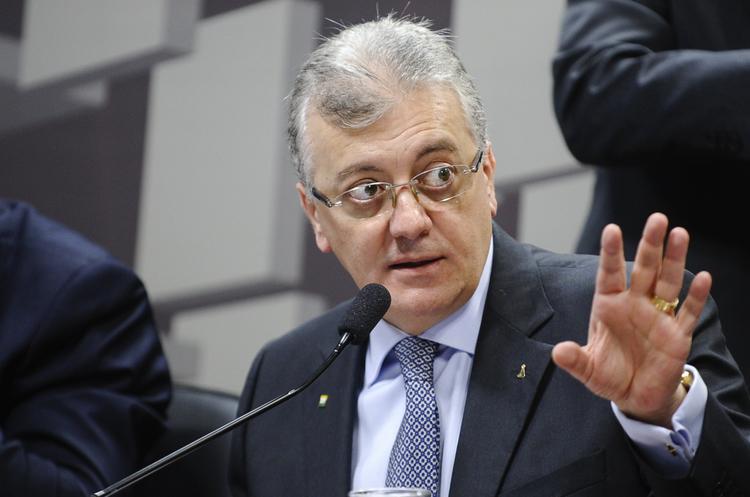 Екс-директору бразильської Petrobras загрожує 25 років в'язниці за хабарі