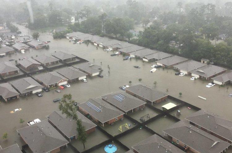 Троє загиблих і 30 людей зникло безвісти після урагану Харві у США