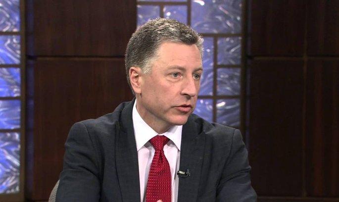 Волкер: міністр оборони США приїхав в Україну не з порожніми руками
