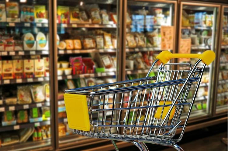 Українці стали купувати на 8% більше