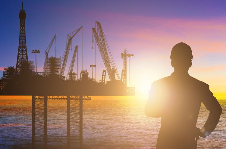 Росія та Саудівська Аравія закликають продовжити угоду щодо скорочення видобутку нафти до червня 2018