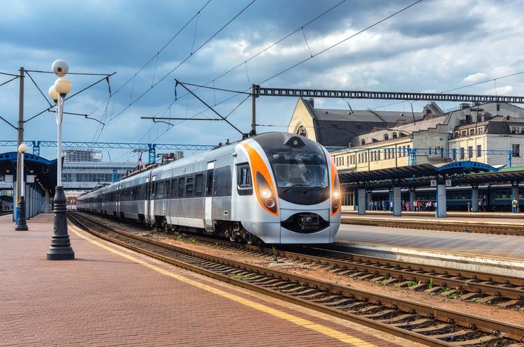 Рух потягів Інтерсіті+ до Польщі у жовтні тимчасово обмежать через модернізацію колій