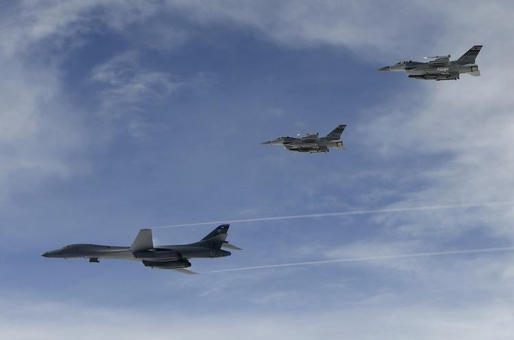 США та Південна Корея провели безпрецедентні військові навчання