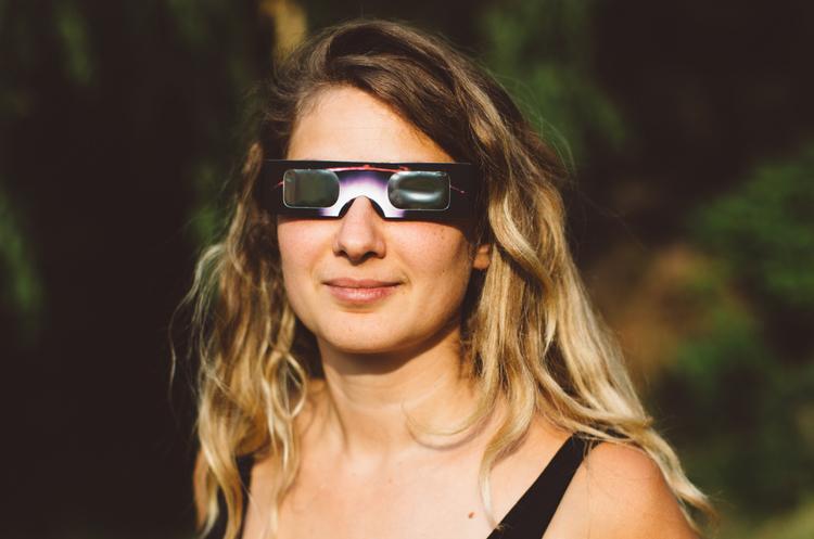 На Amazon подали до суду за продаж підроблених окулярів для сонячного затемнення