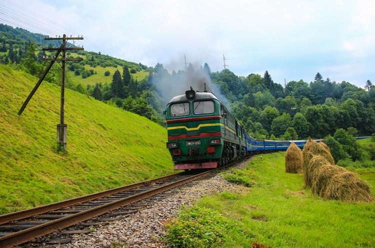 Укрзалізниця отримала три нові пасажирські вагони