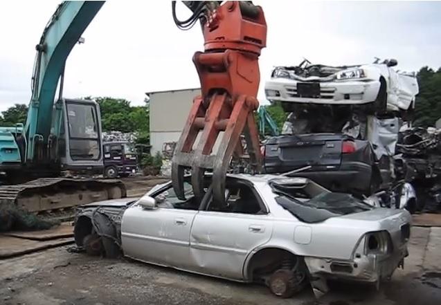 Конфісковані авто з єврономерами давитимуть пресом або віддадуть у дитбудинки - ДФС