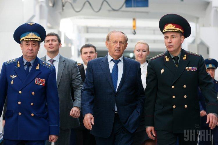 СБУ підозрює нардепа Богуслаєва в незаконному продажі 56% акцій «Мотор Січ»