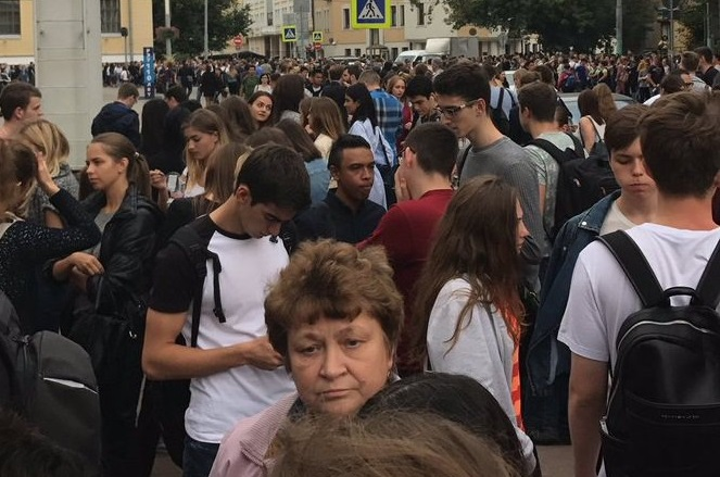 В Росії за два дні евакуйовано 100 тисяч людей через погрози замінування