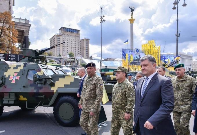 Порошенко: на безпеку та оборону в проекті Держбюджету-2018 передбачено 163 млрд грн