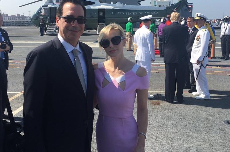 Міністр фінансів США хотів полетіти на медовий місяць в Європу на військовому літаку