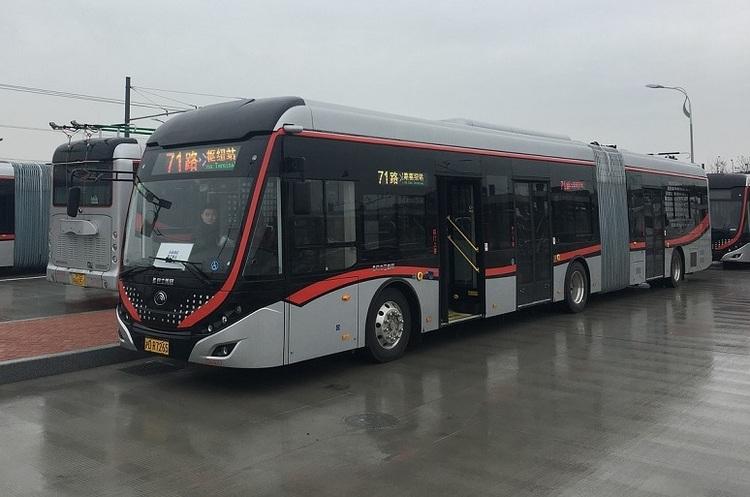 У Китаї запустили лінію «розумних» автобусів, які будуть приходити на вимогу пасажирів