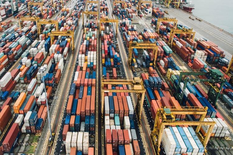 Дефіцит зовнішньої торгівлі товарами в Україні зріс у 3 рази