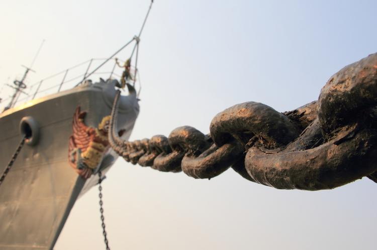 Кабмін дозволив продавати арештований морський, повітряний та залізничний транспорт