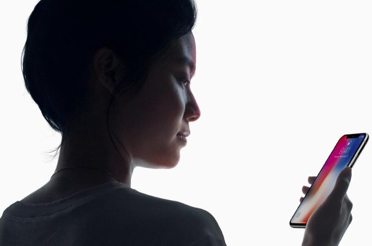Технологія Face ID, яка застосовується в новому iPhone Х, занепокоїла Сенат США