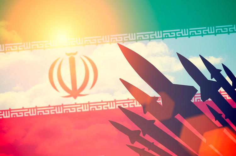Іран представив нову балістичну ракету, яка здатна долати відстань у 2 000 км