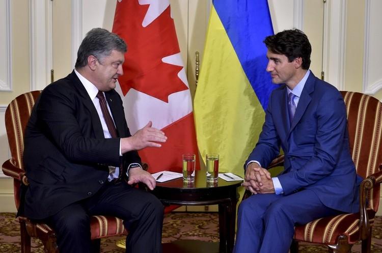Порошенко: Україна обговорюватиме з Канадою питання безвіза