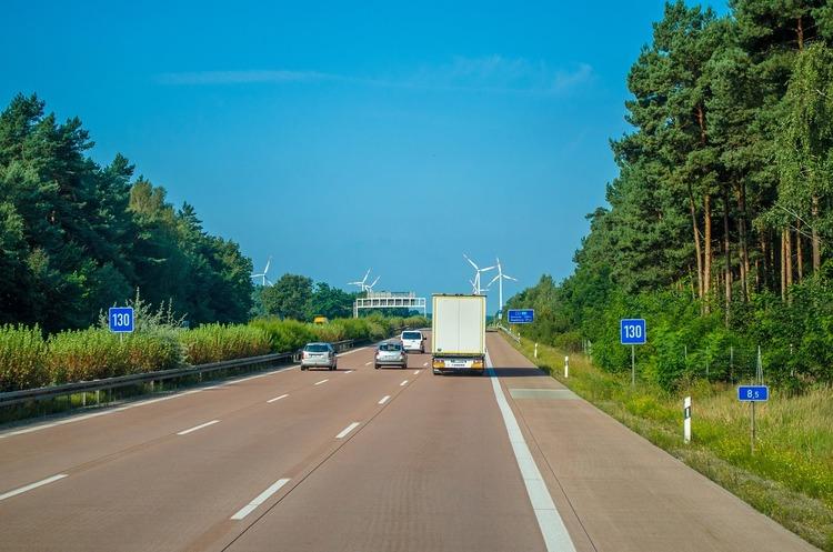 Новак: будівництво платних доріг розпочнеться через 3-4 роки