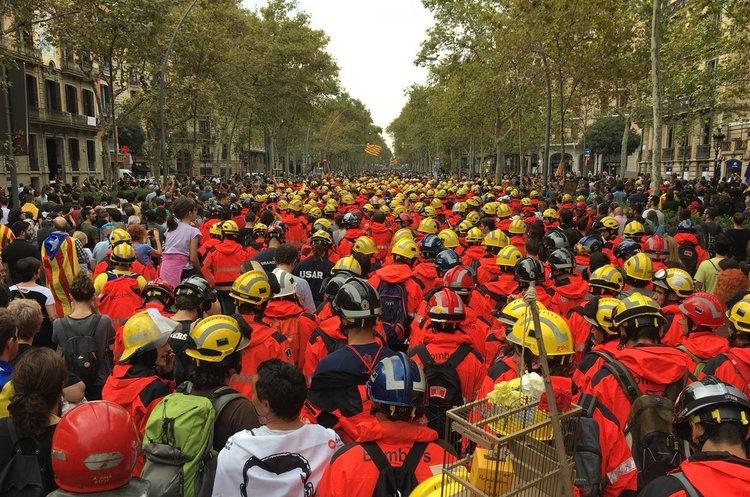 Зупинилось все: Каталонію охопив загальний страйк