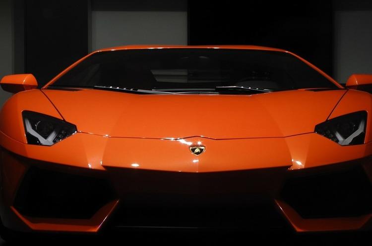 Порошенко: УКоломиї відкрили завод, який вироблятиме деталі для Lamborghini