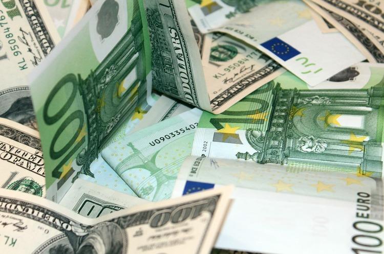 Валютные качели: почему дорожает евро