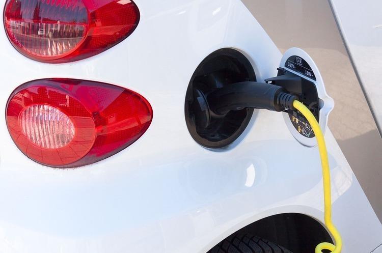 У Верховній Раді пропонують скасувати акциз та ПДВ на електромобілі